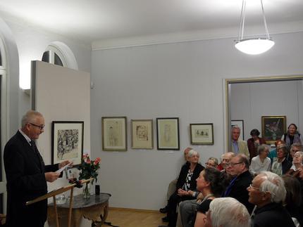 Prof. Harald Marx hält im Jahr 2014 die Eröffnungsansprache zum Jubiläum 90 Jahre Kunstausstellung Kühl